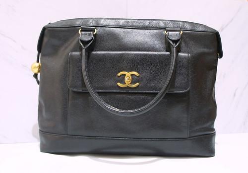 e7a6630d029c2a VINTAGE CHANEL Black Caviar Leather Large CC Logo Large Shopper Tote Bag