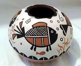 JC Pueblo Pescado round bowl II.jpg