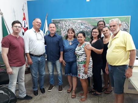 """Prefeito de """"Duas Pontes"""" pede suspensão da greve e promete proposta até quarta-feira"""