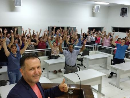 """Servidores de """"Duas Pontes"""" aprovam greve para a próxima segunda-feira"""