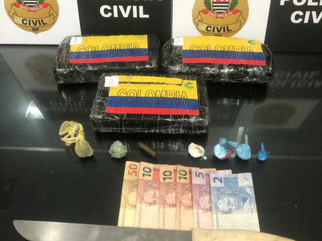 Polícia apreende três quilos de cocaína e prende dois por tráfico