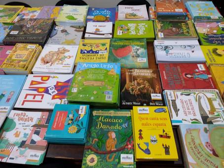 Secretaria de Educação recebeu acervo literário para complementar salas de leitura