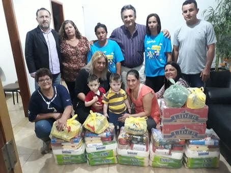 Sindicato entrega cestas para servidores exonerados de Meridiano e reitera compromisso até dezembro