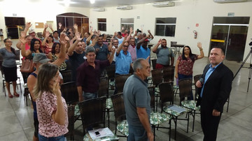 Sindicato realiza primeira assembleia com servidores de Rubinéia