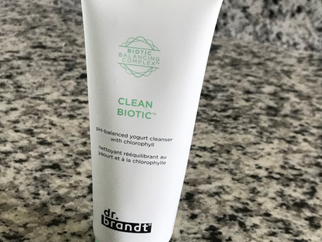 Face Cleansers: Gel, Foam or Oil?