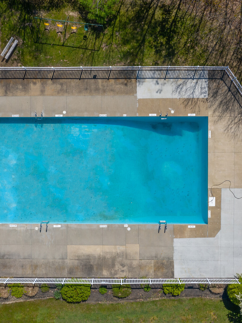 huntington-hills-apartments-stow-oh-pool