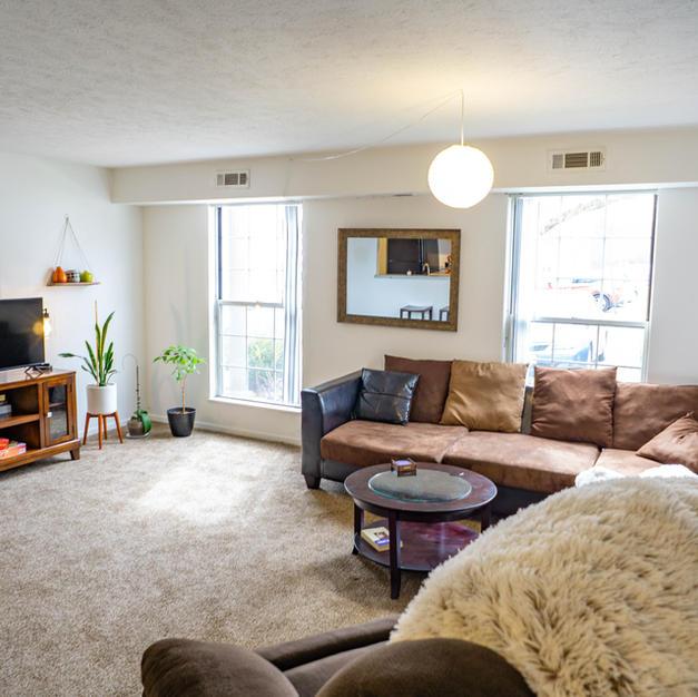 2 bed 1 1/2 bath living room