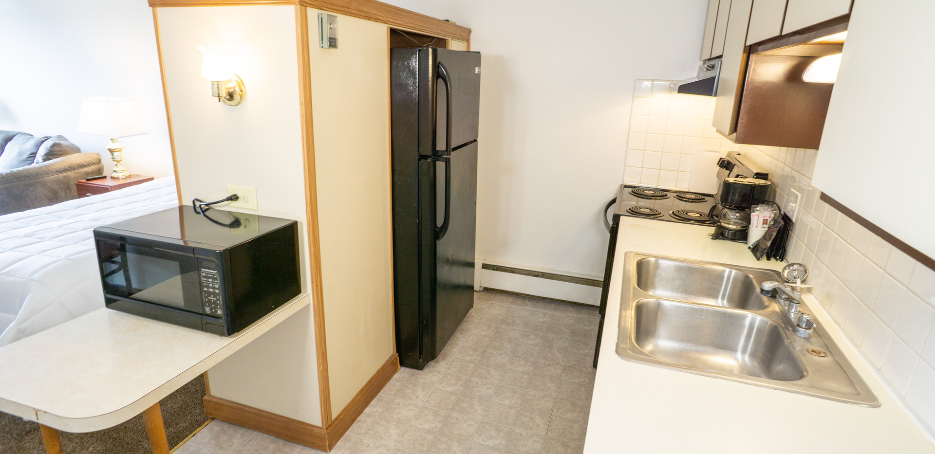 Deluxe Studio Kitchen