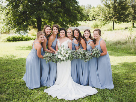 """A Guide to Timeless Wedding Photos: Choosing A Photographer Who Edits with a """"Natural"""" Style & Why"""