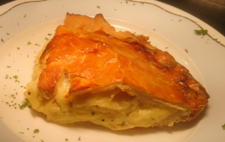 The George and Dragon Cheese and Onion Pie
