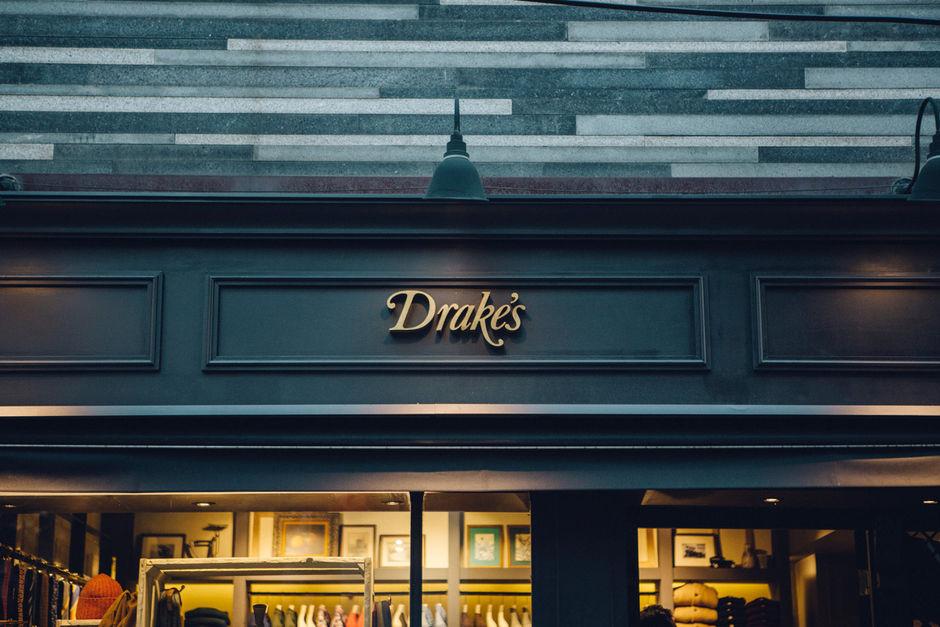 Drake's in Dosan