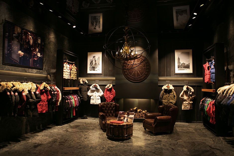 CANADA GOOSE  Korea in Lotte World Mall