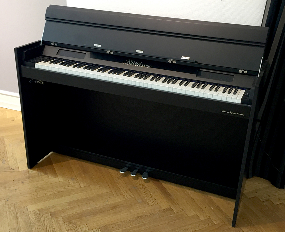 Blüthner Homeline Digital Piano