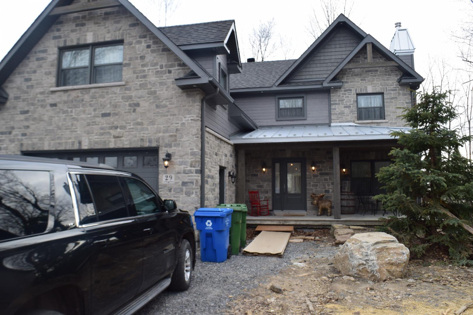 Toiture métallique, porte, porte de garage, fenêtre, revêtement, aluminium