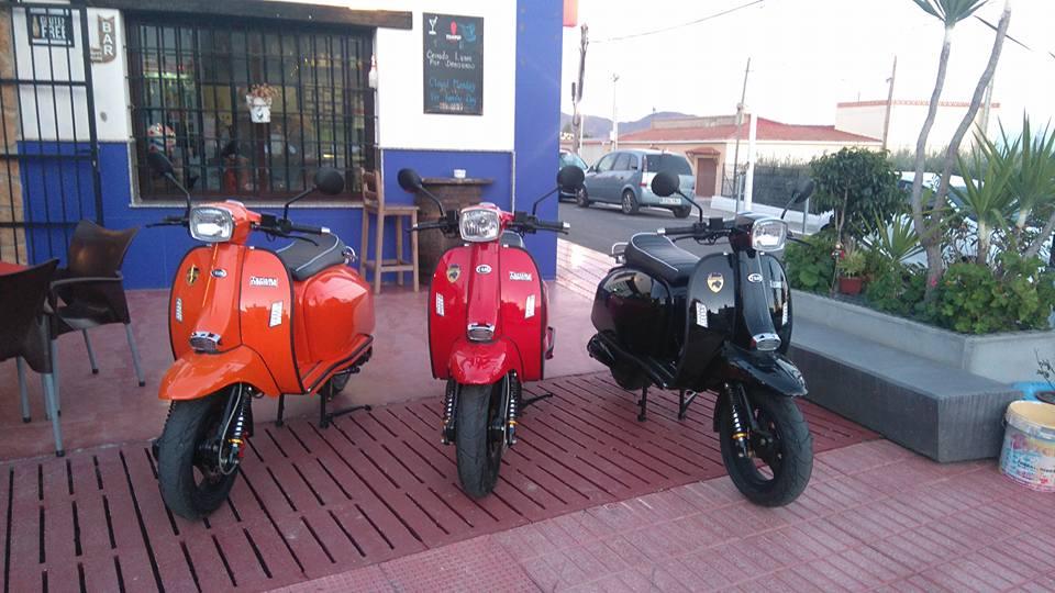 Outside Bar Amazir, Urcal