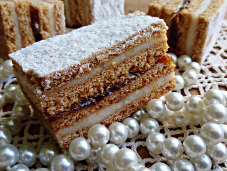 Honig Kuchen sau prăjitură cu miere