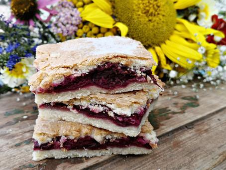 Sauerkirschenpita sau prăjitură cu vişine