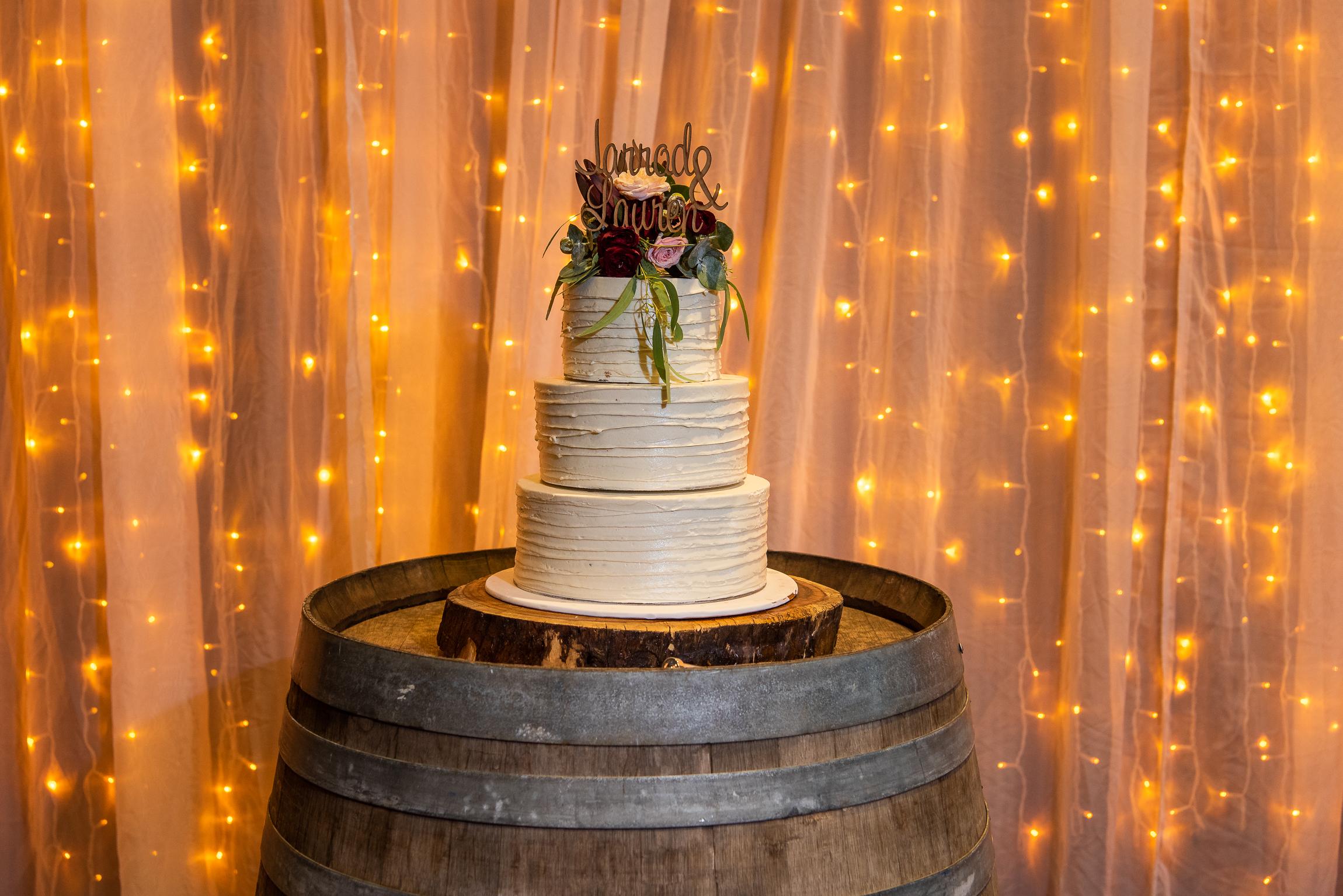 Wine-Barrel-Cake-Table