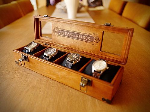 Gravierte Uhrenbox mit Name und Initiale