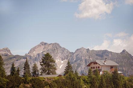 Dolomites_hut