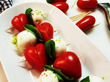 Homemade Happiness: Spiesjes met tomaathartjes en mozzarella