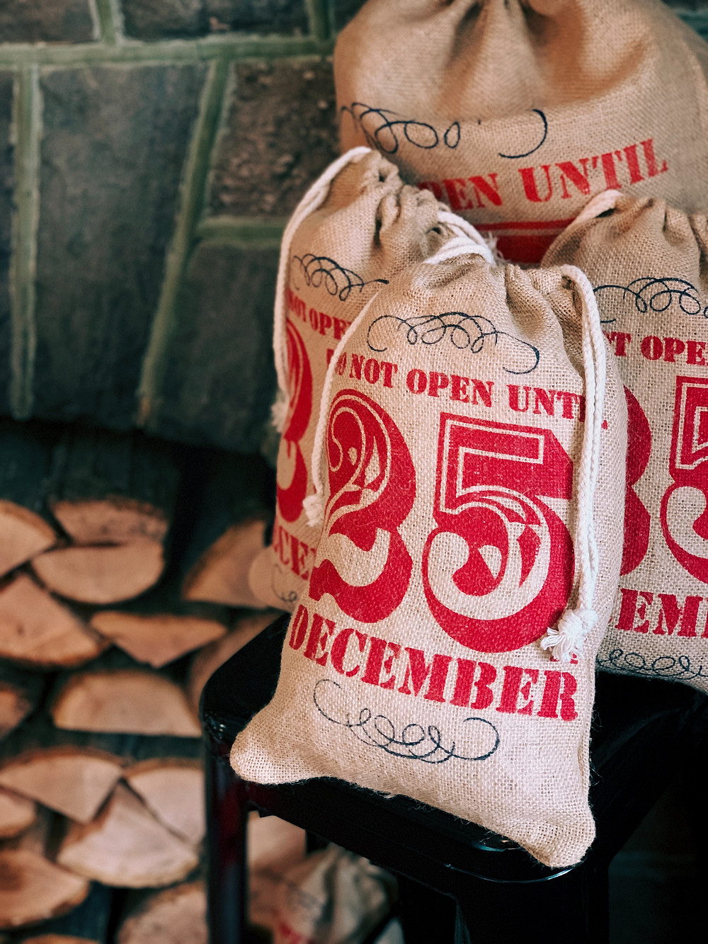Bag with December 25 on it