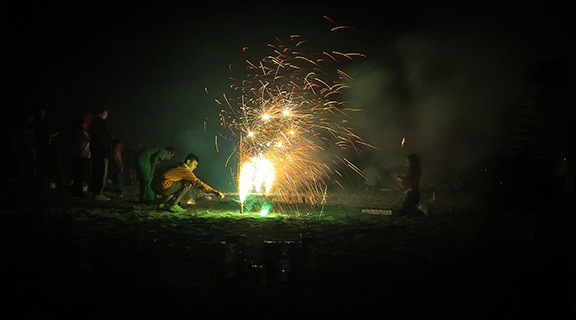 Man lighting sparkers