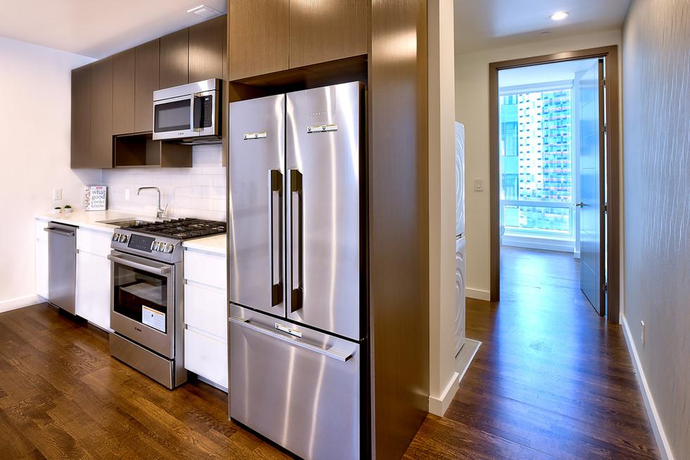 15H kitchen-hallway 1.jpg