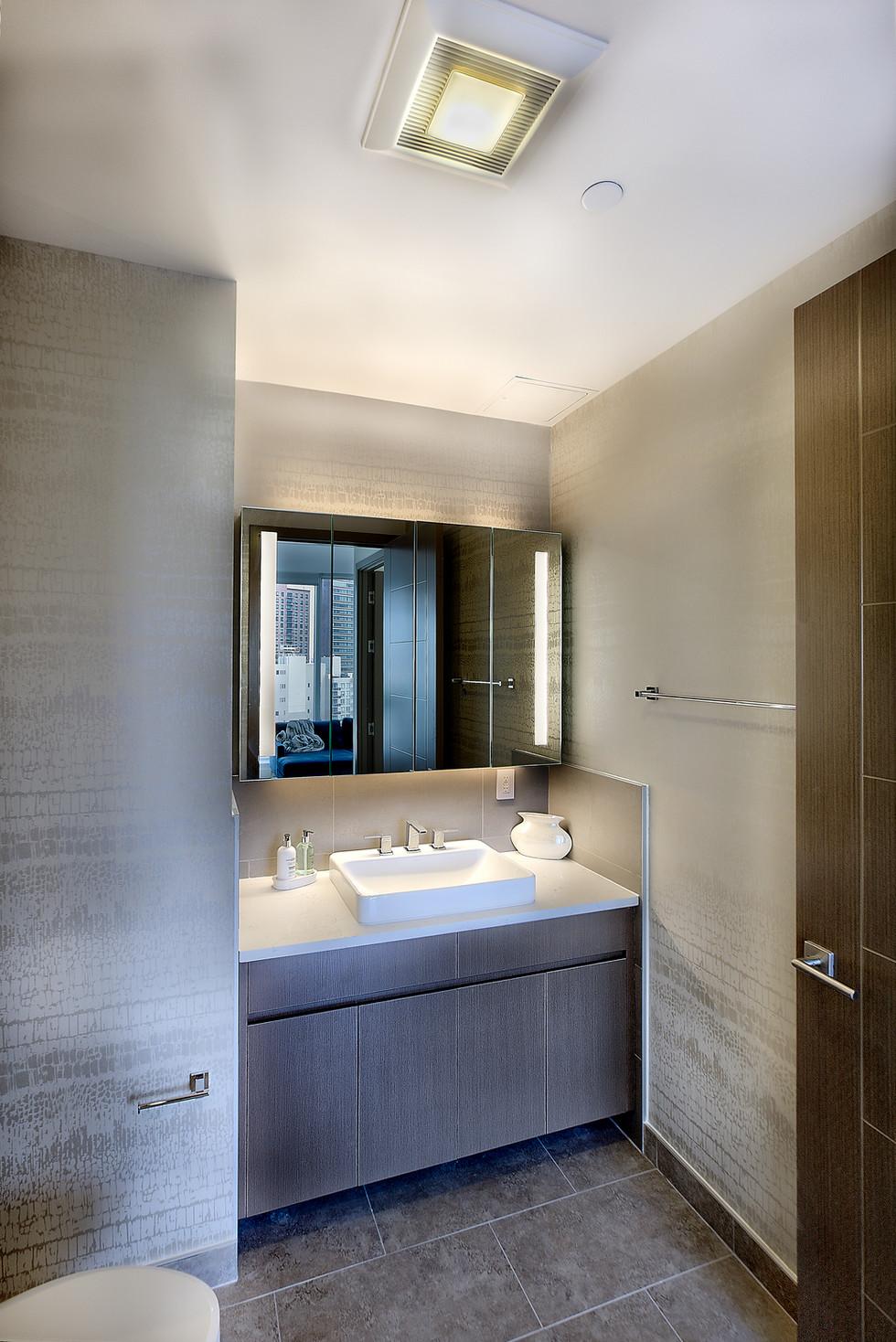 15E guest bathroom.jpg