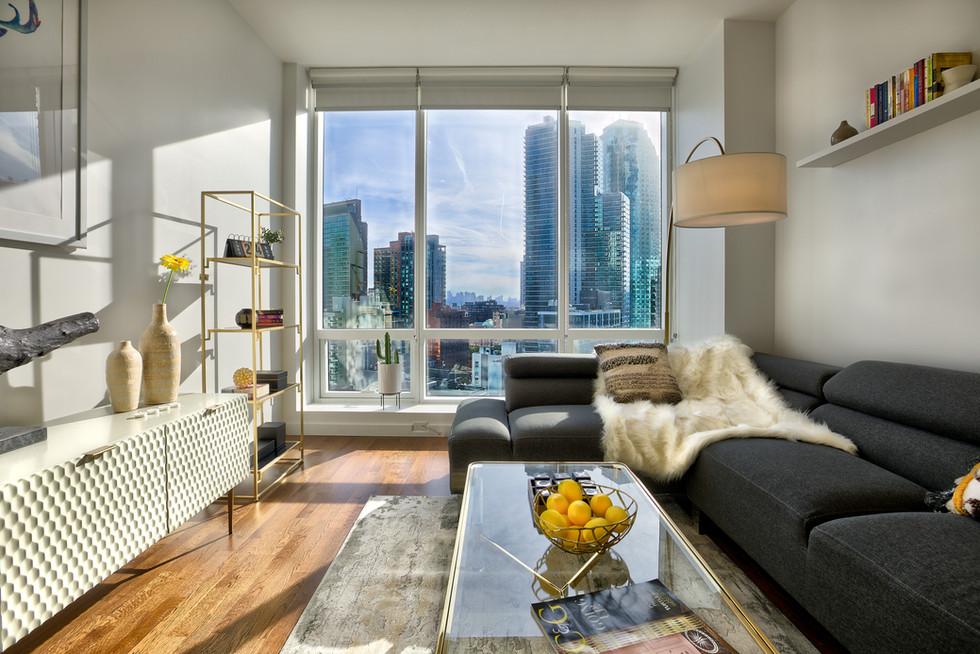 15B living room straighten 14.3MB.jpg