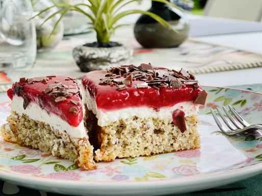 NussSchnitten mit Mascarpone-Erdbeere Creme 🍓