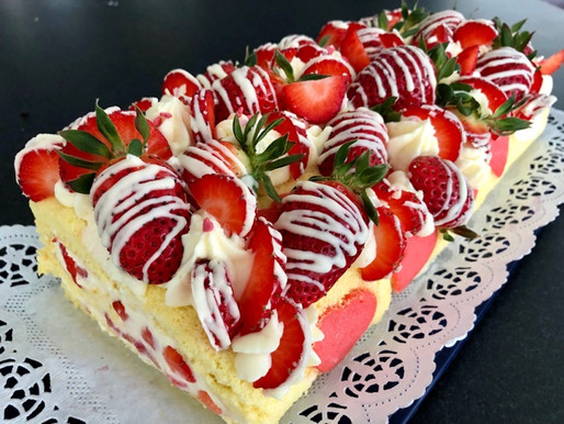 🍓Fruchtige Erdbeer-Roulade🍓