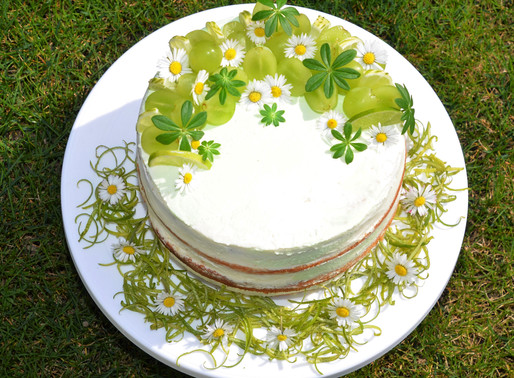 Grapes and daisies naked cake - Frühling pur!