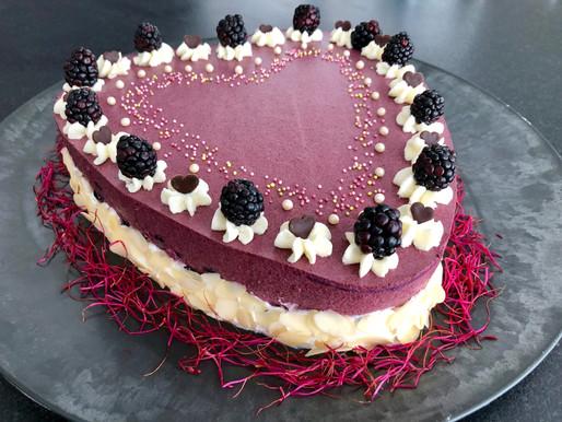 Eine Geburtstagstorte mit wenig Teig - viel Frucht und einer gehörigen Portion Liebe gebacken!