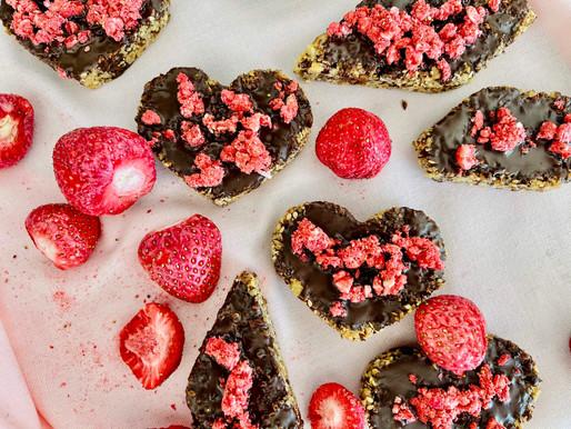 Erdbeere-Nuss Riegel (low carb, glutenfrei)