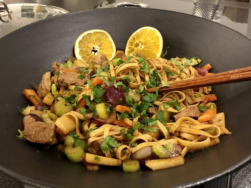 Gebratene Nudeln, wahlweise mit Gemüse, Fleisch, Fisch oder Wild ❤️