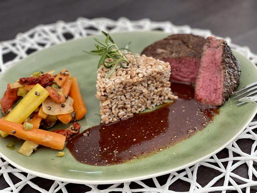Filet-Steak mit Emmerreis und Ingwer-Gemüse mit Hanfnüssen ❤️