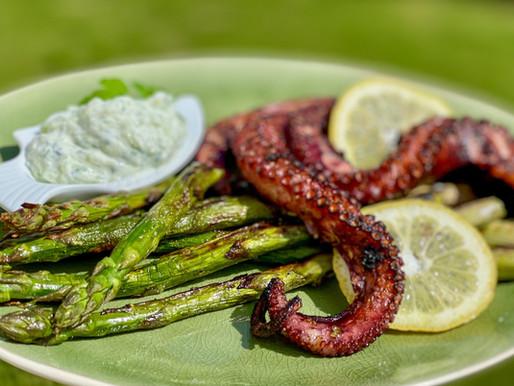Gegrillter Octopus mit Spargel