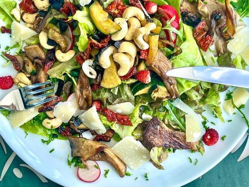 Mediterraner Salat mit gebratenen Bio-Austern Pilze ❤️
