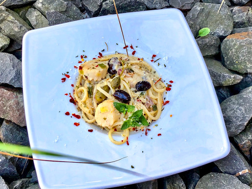 Spaghetti mit Jakobsmuscheln in Weißweinsauce