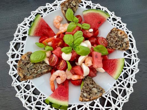 Sommerlich fruchtiger Garnelen-Melonen Salat 🍤