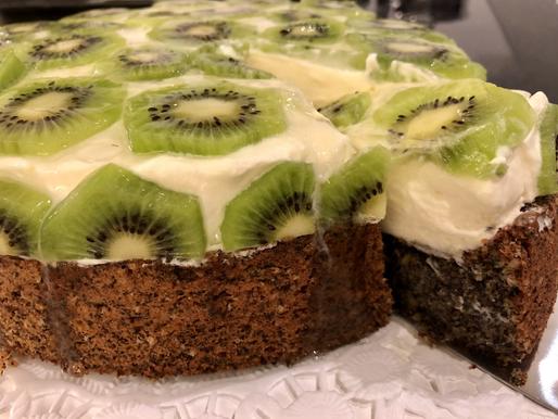 Mohn-Nuss-Ananas-Kiwi-Torte (glutenfrei)