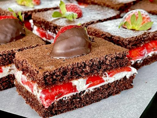 Erdbeer-Milch-Schnitte (low carb und glutenfrei)