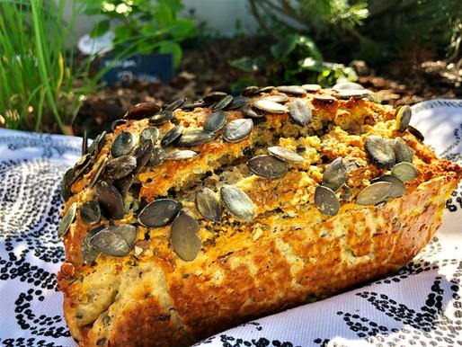 KÜRBISKERNBROT schmackhaft und saftig, zudem glutenfrei und für die low carb Küche bestens geeignet!