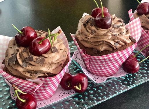 Schwarzwälder-Kirsch-Cupcakes 🍒