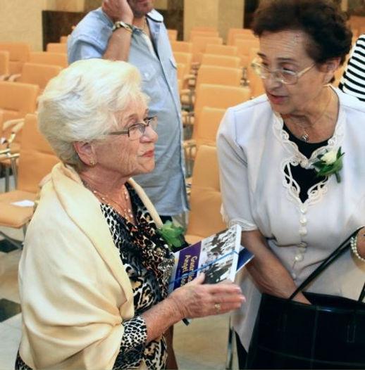 Aunt with Rath Klara's neice2.jpg