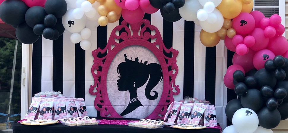 SWEETS TABLE WITH BALLOON DECOR