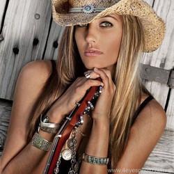 Cowgirl-600x600