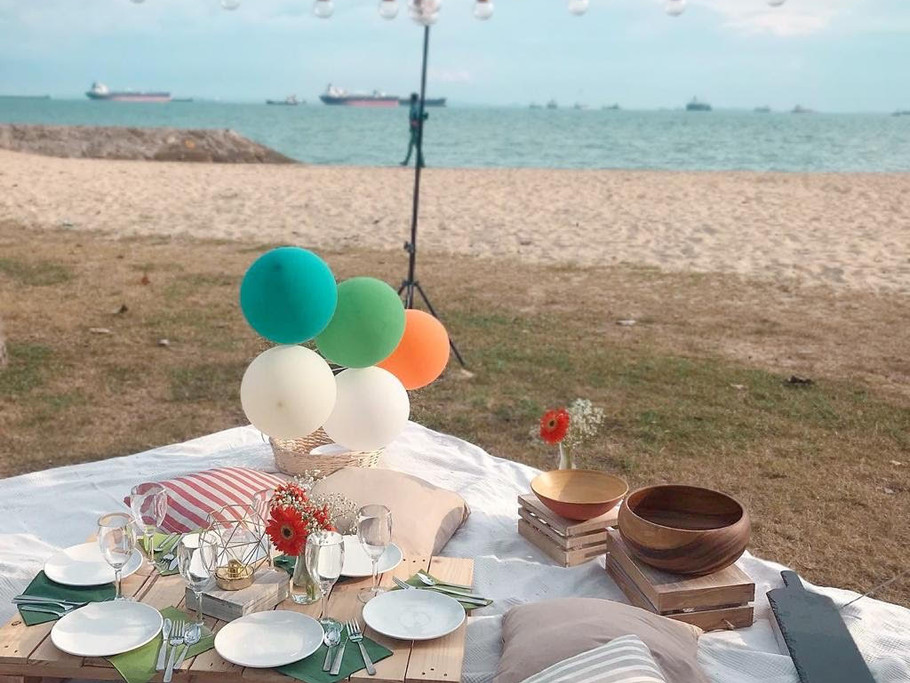 picnic by the beach