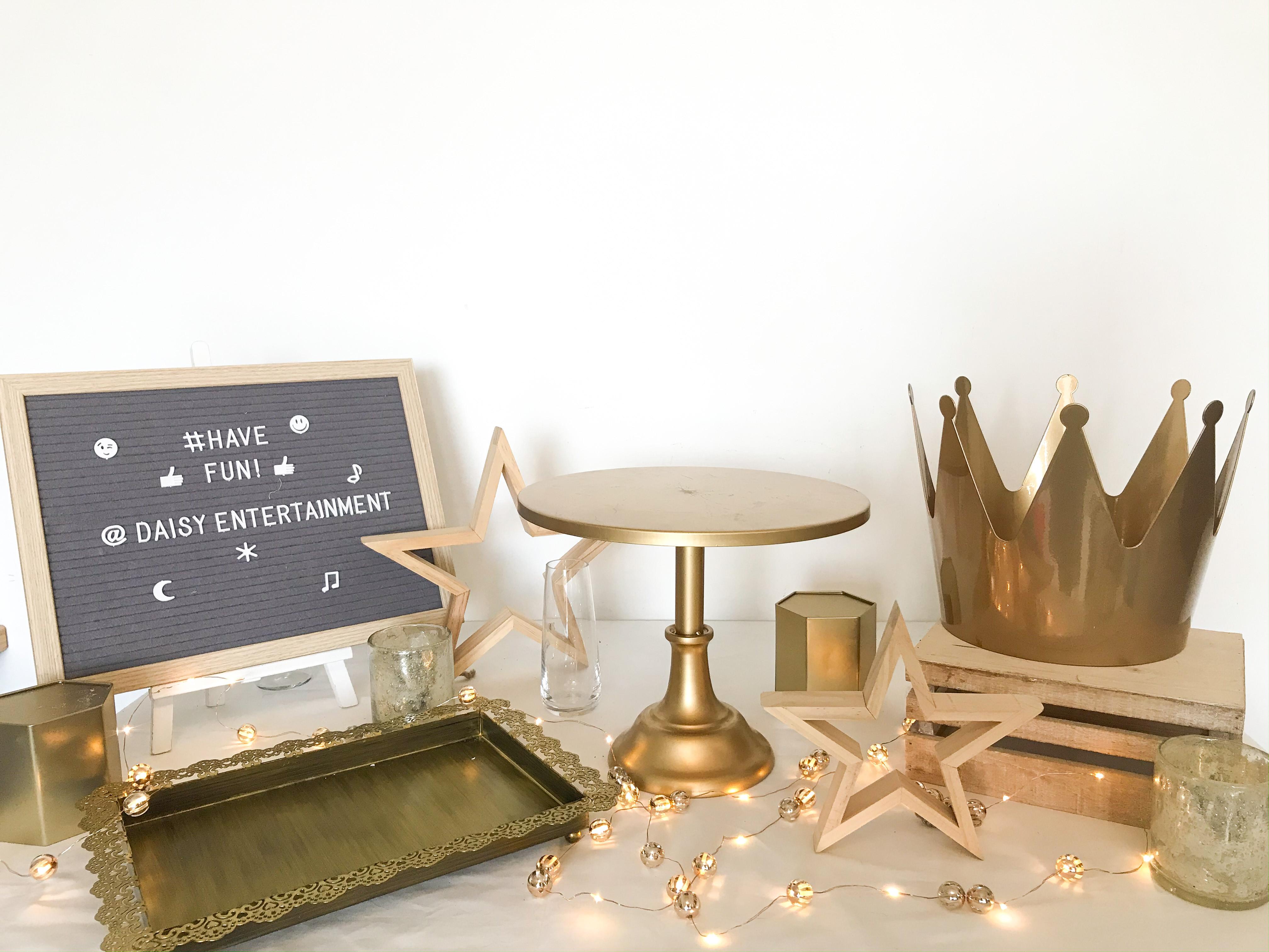 Rental ware set: Royalty!